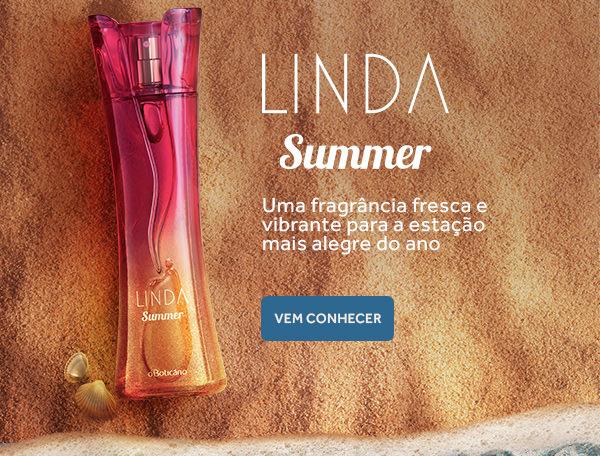 Colônia Linda Summer. Uma fragrância fresca e vibrante para a estação mais alegre do ano. Vem conhecer! Uma imagem da bela fragrância em tons de rosa aparece sobre a areia e à beira do mar.