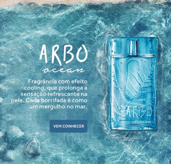 Colônia Arbo Ocean. Fragrância com efeito cooling que prolonga a sensação refrescante na pele. Cada borrifada é como um mergulho no mar. Vem conhecer! Uma imagem da fragrância em tons de azul aparece sobre as águas cristalinas do mar.